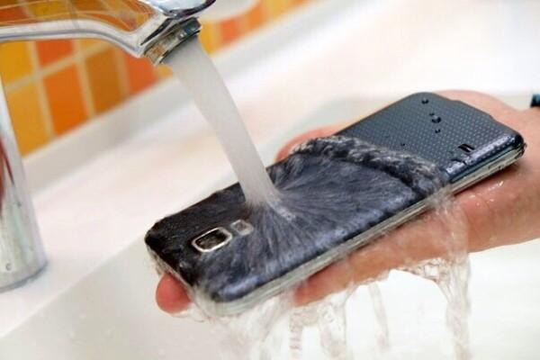 греется смартфон