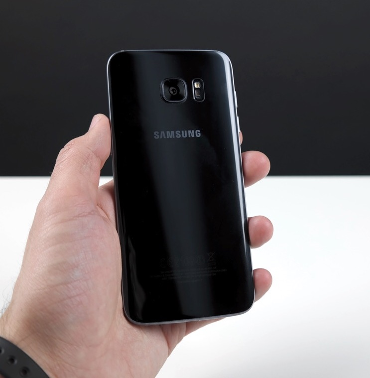 Samsung Galaxy S7 edge задняя панель