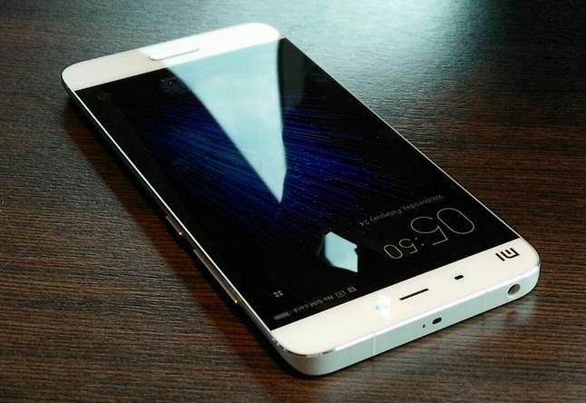 Белый Xiaomi Mi5