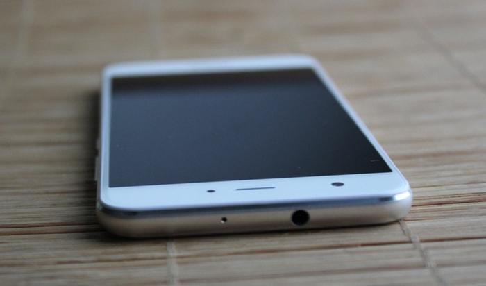 Huawei Nova: разъем 3,5 мм для наушников