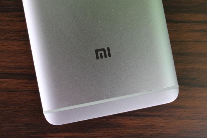 "Логотип ""Mi"" Xiaomi Redmi Note 4"