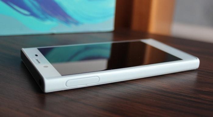 Разъем для SIM-карт Xperia X Compact