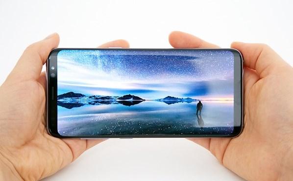 Samsung Galaxy S8, 570 ppi