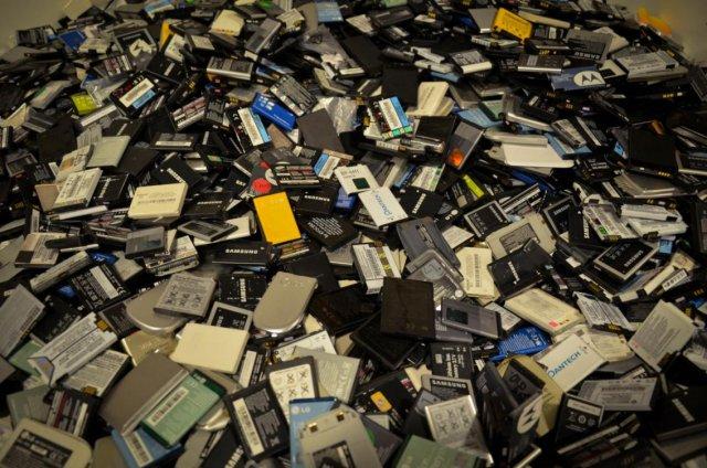 Батареи для смартфонов