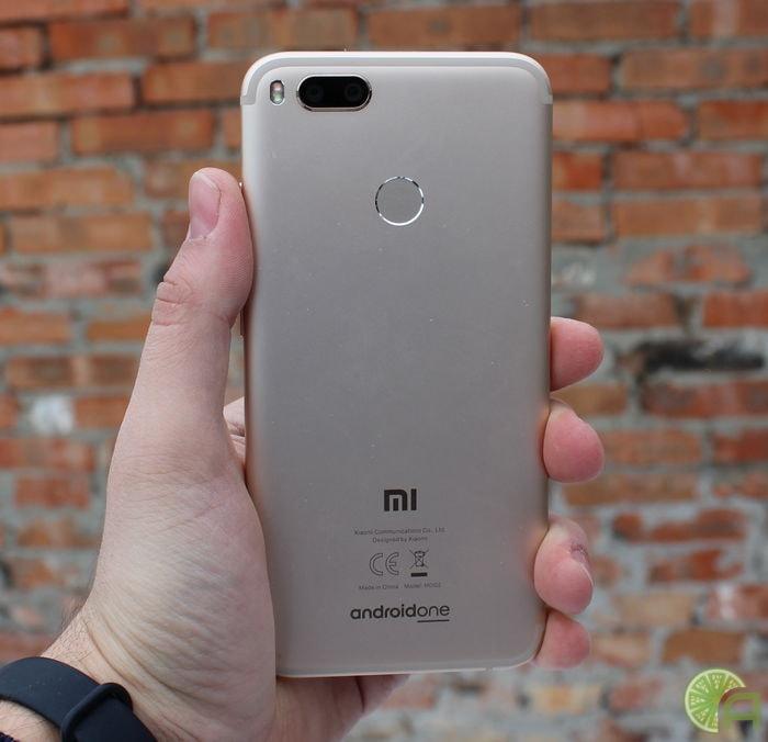 Золотистый Xiaomi Mi A1