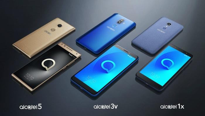 Влинейку 2018 года Alcatel вошли безрамочные мобильные телефоны