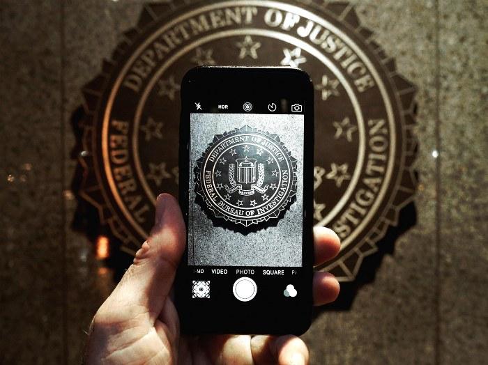 Смартфон FBI