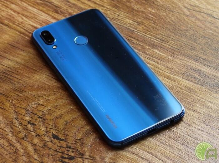 Синий Huawei P20 Lite