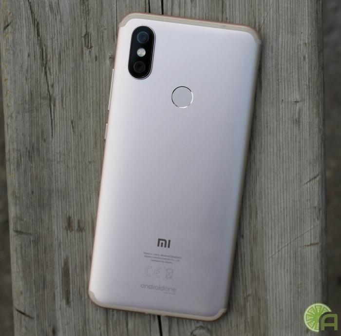 Золотистый Xiaomi Mi A2