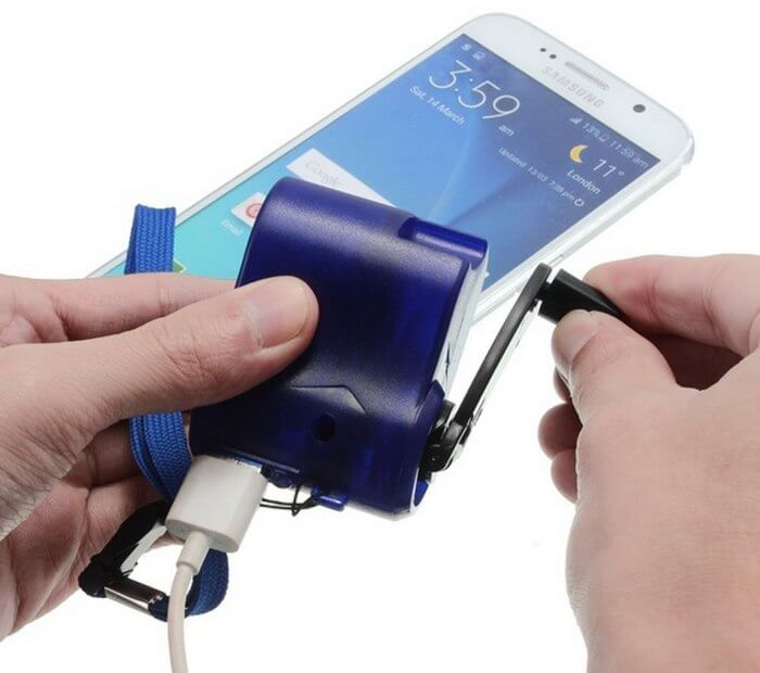 Динамо-машина для зарядки телефона