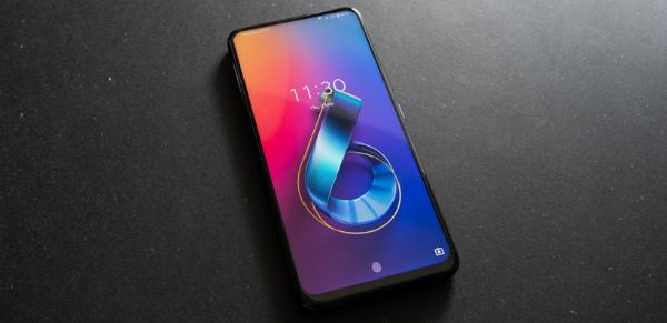 ASUS ZenFone 6 дисплей