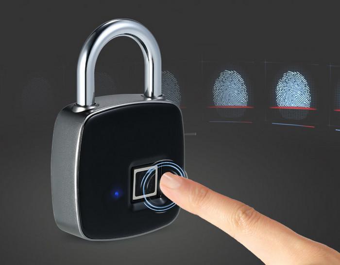 Замок со сканером отпечатков пальцев