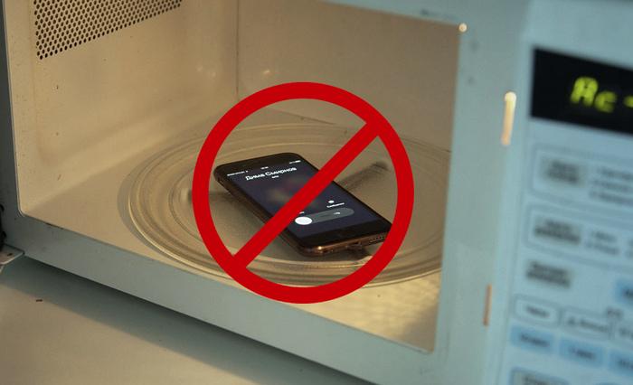 Зарядка телефона в микроволновке